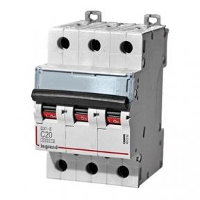 Legrand 407292 Автоматический выключатель DX3-E C20 3П 6000/6kA